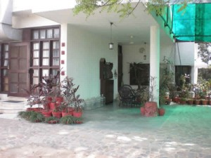 wanted available farm house on rent in gurgaon south delhi call 99996 70006